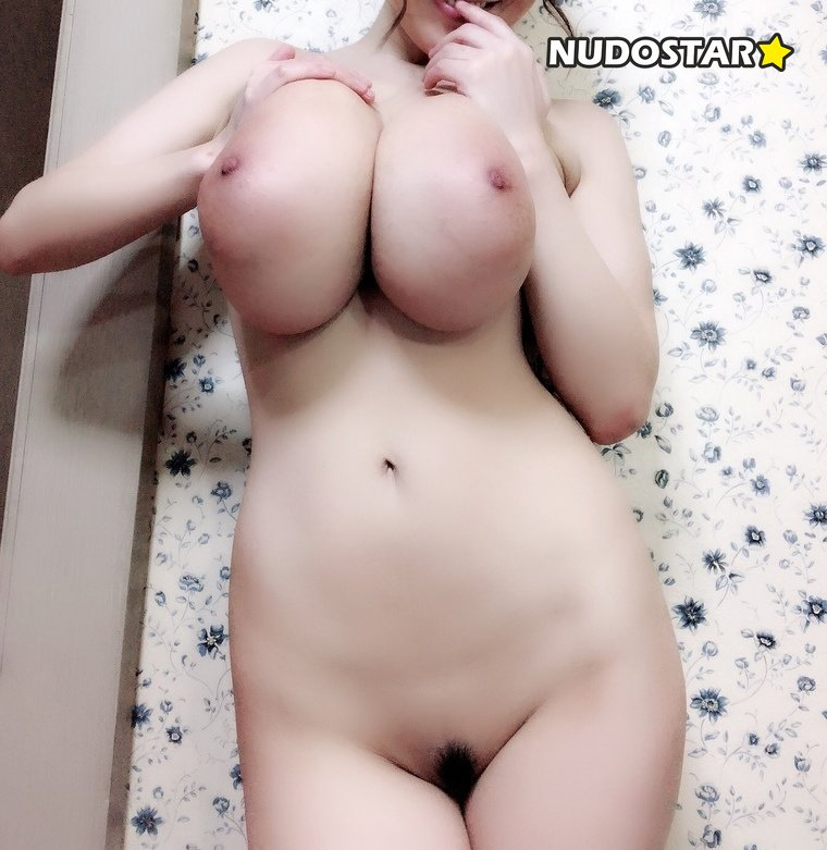 Hitomi Tanaka – hitomi_official OnlyFans Leaks (23 Photos + 6 Videos)